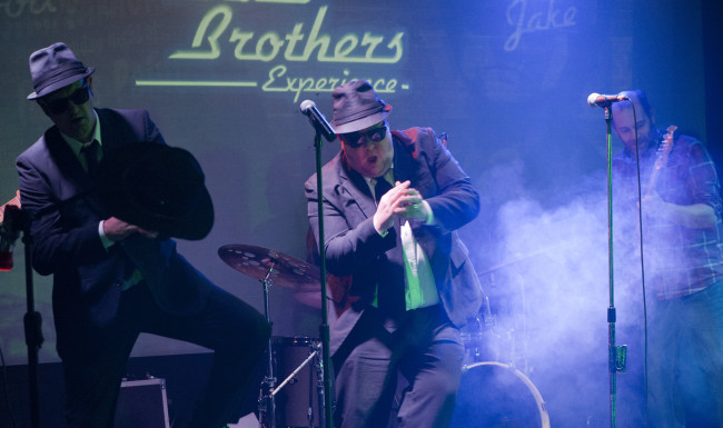 Blues Brothers Experience Dancing